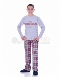 Юношеска пижама за момче със ситопечат и каре панталон в три цветови комбинации