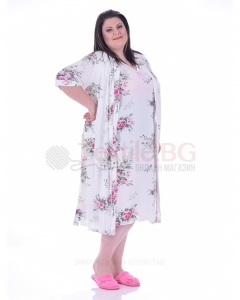 Kрасив макси халат в десен на рози с декорация